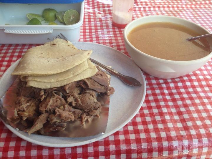 Barbacoa y Consomé
